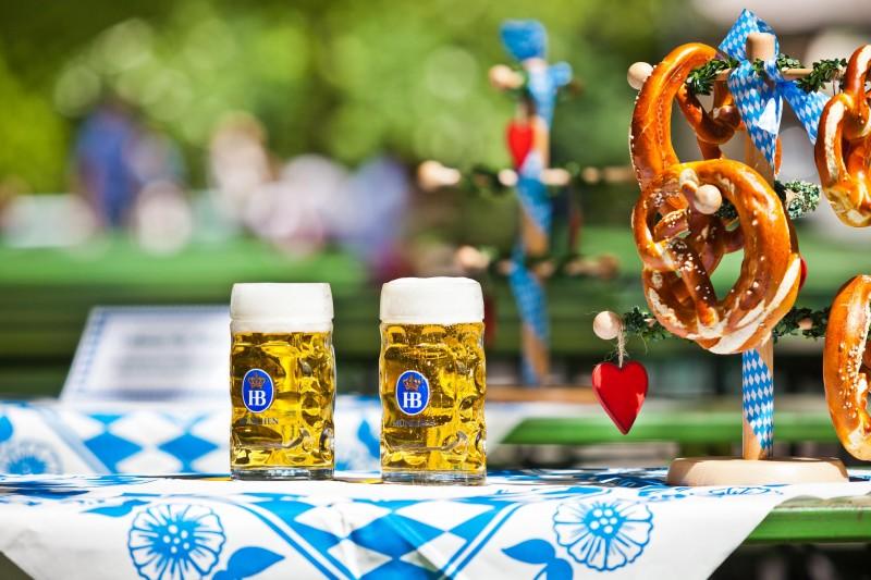 Biergarten am Chinesischen Turm - München, Biergarten in 80538 München, alle Biergärten in ...