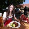 Schweinsbraten und a Maß Bier!