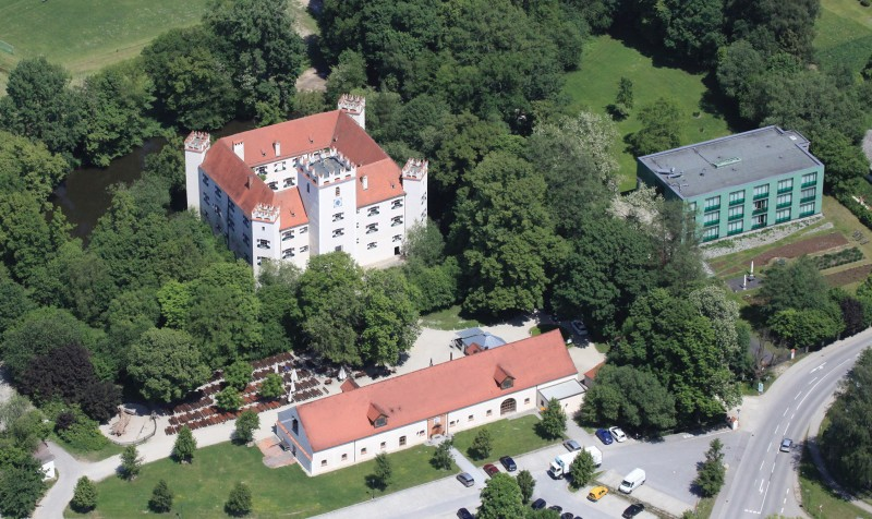 Schlossbrau Mariakirchen Biergarten In 94424 Arnstorf Mariakirchen Alle Biergarten In Bayern Biergartenfreunde